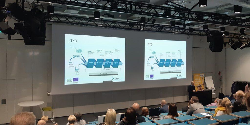 Kuva Tekoälyllä tuloksiin -seminaarin avauksesta LAMKn auditoriossa.